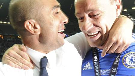 MESTERLIGA-SUKSESS: André Villas-Boas ledet Chelsea i sju av   13 Mesterliga-kamper, men det var Roberto Di Matteo som sikret laget   troféet. (Foto: Owen Humphreys/Pa Photos)