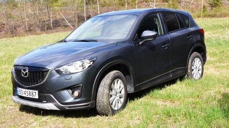 Mazda CX-5 detalj skrått forfra