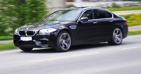 BMW M5 - en bil som liker å være i bevegelse.