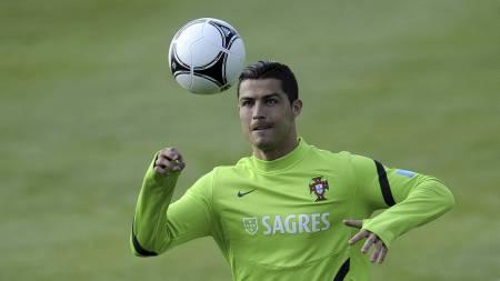 KLAR FOR EM: Cristiano Ronaldo er klar for EM. (Foto: FRANCISCO LEONG/Afp)
