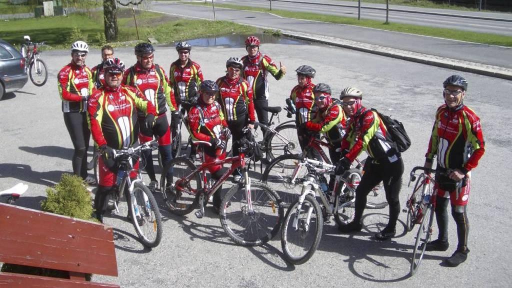 SPREK GJENG: Om bare noen få uker skal sprekingene fra Sørumsand sykle den knallharde Tour de France-etappen Col du Tourmalet. Dette bildet er fra en treningstur tidligere denne måneden. (Foto: Privat/)