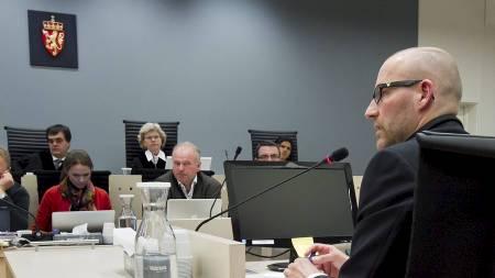 Terrorforsker Brynjar Lia vitnet i rettsal 250 fredag i syvende uke  i rettssaken der Anders Behring Breivik står tiltalt for terrorangrepet i Oslo og på Utøya 22. juli 2011. (Foto: Junge, Heiko/NTB scanpix)