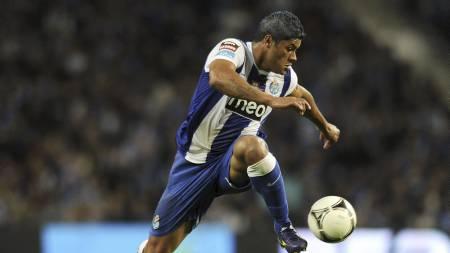 Hulk sier han ikke kommer til å signere for Chelsea. Spilleren trives godt i Portugal.  (Foto: FRANCISCO LEONG/Afp)