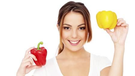 SUNNE VALG: Ved å spise mer frukt og grønnsaker, og bruke mindre tid foran skjermen, kan du redusere godteri- og junkspising, ifølge ny forskning. (Foto: Illustrasjonsbilde / Colourbox/)