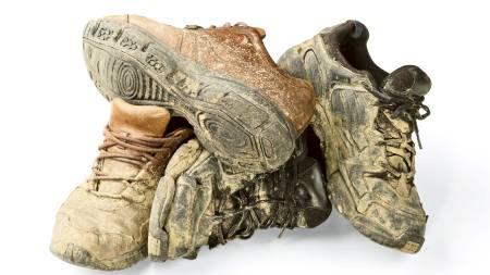 DIRTY: Du kan ikke være redd for å få søle og skitt på skoene   når du deltar i et gjørmeløp. (Foto: Illustrasjonsfoto/Colourbox/)