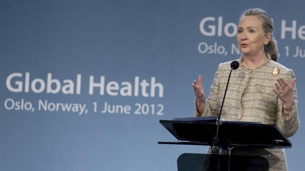 - PRODUKTIVT SAMARBEID: USAs utenriksminister Hillary Clinton kunne meddele at det har vært en travel første dag av norgesbesøket på pressekonferansen i Oslo rådhus fredag. (Foto: SAUL LOEB/Afp)