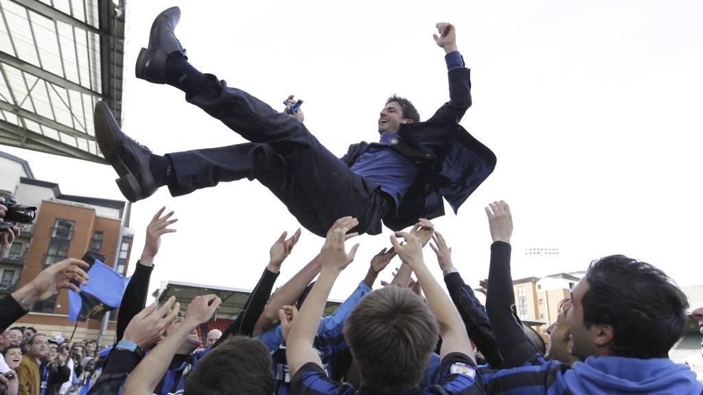 Andrea Stramaccioni ledet Inter til seier i Mesterligaen for juniorlag. Like etterpå fikk han jobben som Inter-manager. Kommende sesong får Rosenborg bryne seg på juniorlaget til den italienske storklubben. (Foto: Sang Tan/Ap)