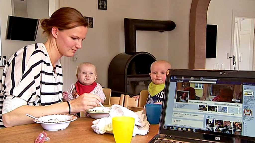 TOK GREP OM DØDEN: Danske Stine Tørnkvist Nielsen vil ikke at de etterlatte skal måtte tenke på hennes Facebook-profil og mailkonti når hun dør. (Foto: TV 2 Danmark)