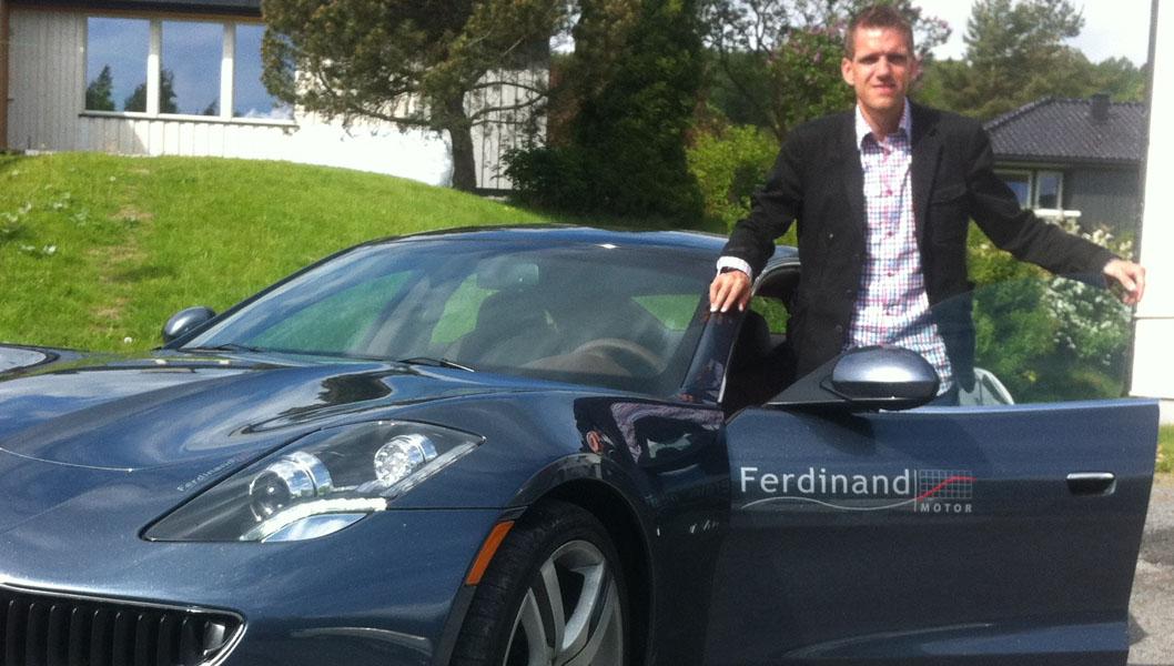 Brroms redaksjonssjef er ute og tester Norges eneste Fisker Karma. Den omdiskuterte hybrids-sportsbilen som virkelig får folk til å snu seg på gaten.