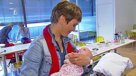 SMÅBARNSMOR: I februar ble Geir og Signe Lippestad foreldre til en jente. Det er parets andre barn sammen. Tilsammen har de åtte barn. (Foto: TV 2)