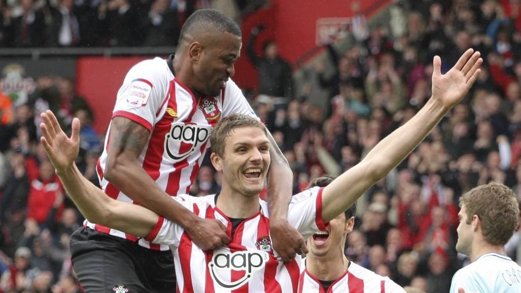 Southamptons Jos Hooiveld feirer scoring. (Foto: PA Wire/Pa Photos)