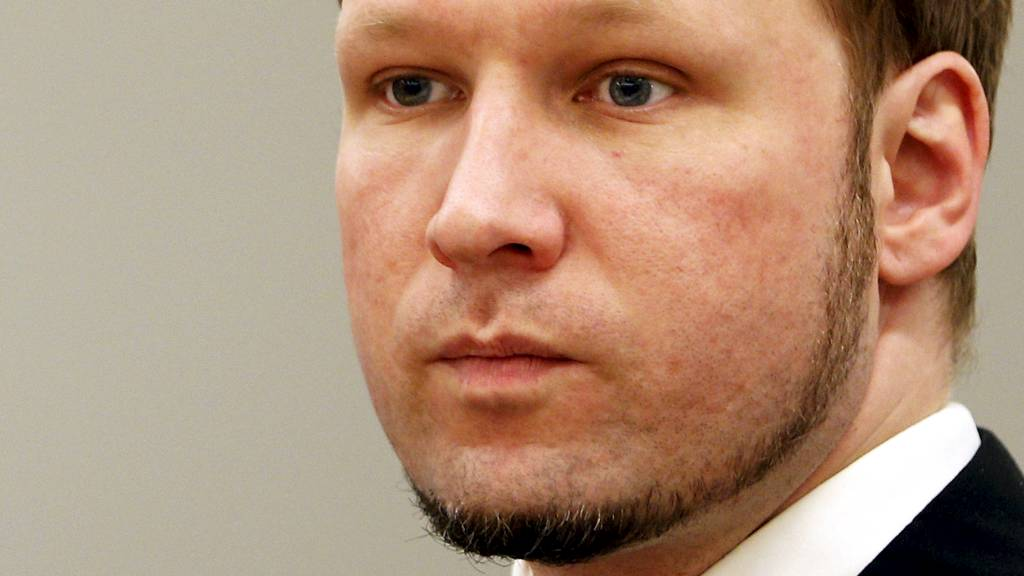 Tiltalte Anders Behring Breivik i sal 250 i Oslo tinghus. (Foto: Åserud, Lise/NTB scanpix)