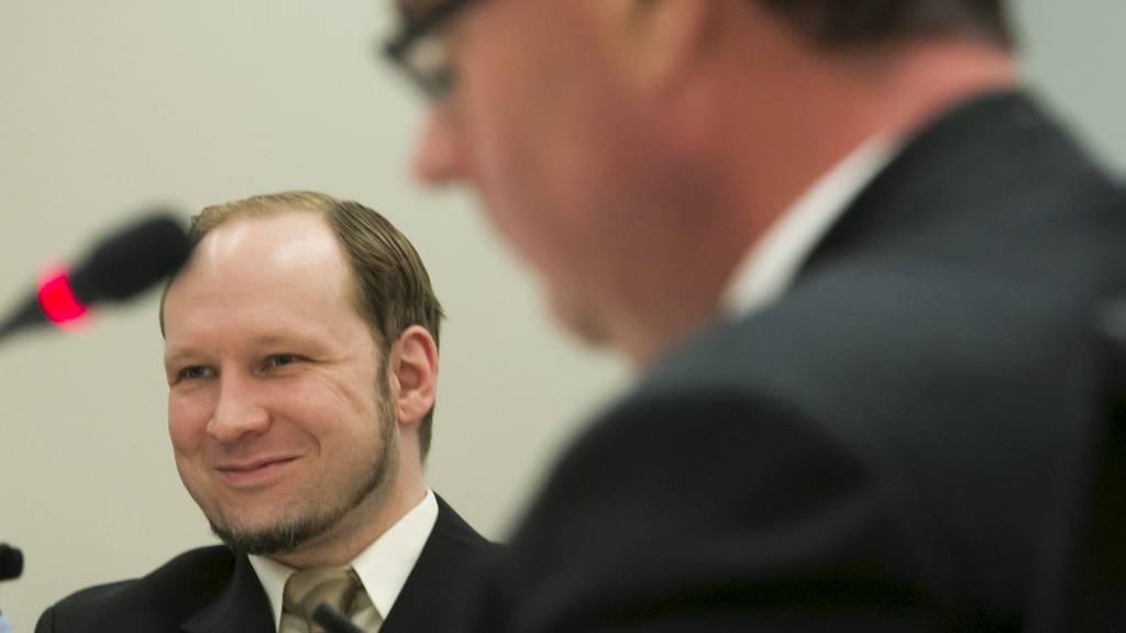 TROR HAN PÅ DET SELV: Om Anders Behring Breivik tror på det han selv forklarer, har betydning for diagnosen, men ikke for om han er tilregnelig, mener sakkyndige Agnar Aspaas og Terje Tørrissen. (Foto: Heiko Junge/NTB scanpix)