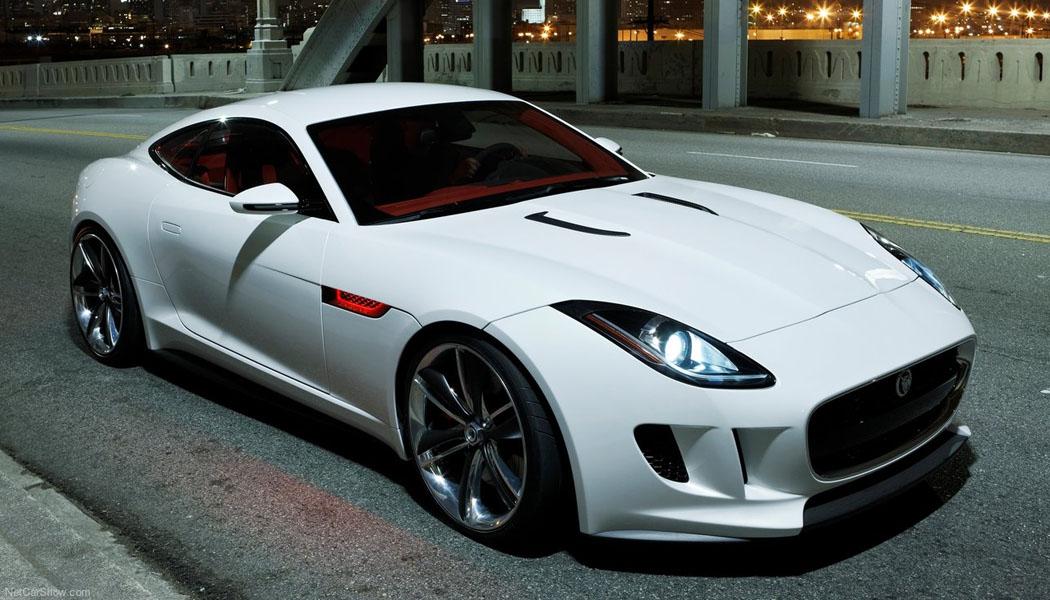 Dette er en konseptbil fra Jaugar - C-X16 - den vakreste vi har sett på veldig, veldig lenge. Nå er produksjonsmodellen til Jaguars neste toseter ikke langt unna. Den blir ikke helt lik denne (dessverre) - blant annet fordi den kommer i cabrioletutgave først.