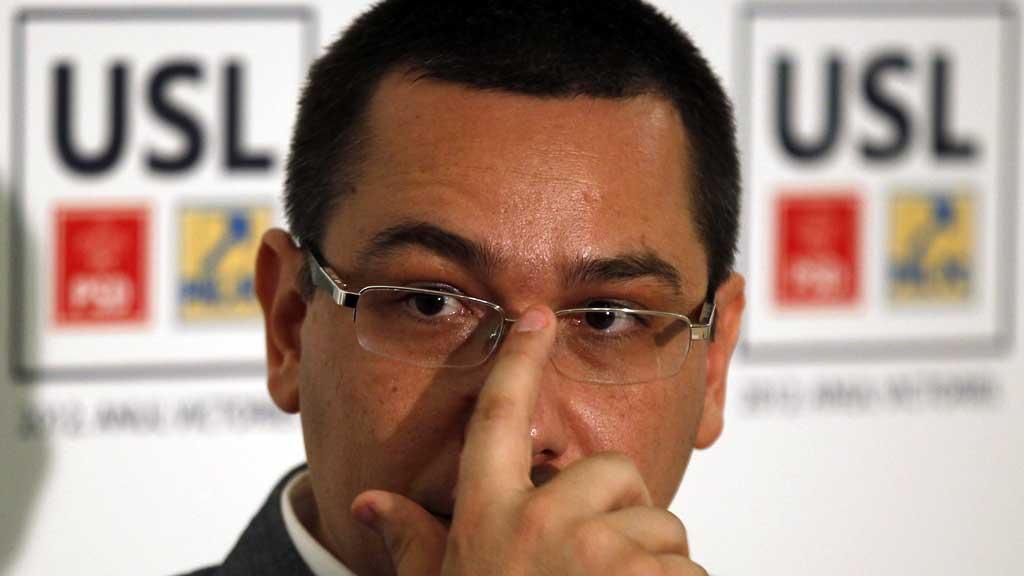 JUKSEMAKER: Romanias ferske statsminister Victor Ponta anklages for å ha plagiert store deler av sin doktorgrad fra 2003.  (Foto: Scanpix)