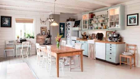 Kjøkkenet i huset i skogen utenfor Larvik.