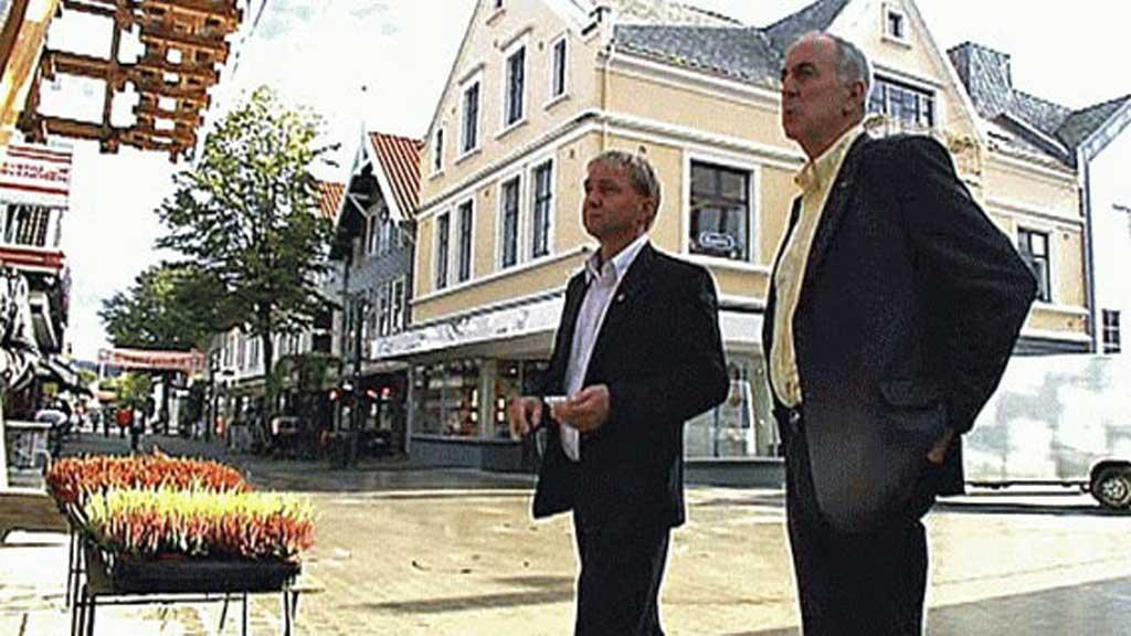 ENIGE: Varaordfører Pål Morten Borgli (Frp) og ordfører Stanley Wirak (Ap) i Sandnes stemte for parlamentarisme i Sandnes. (Foto: TV 2)