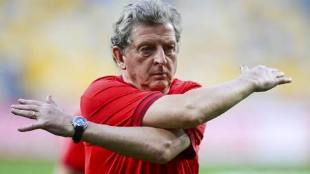 STOLER PÅ ROONEY: Roy Hodgson gleder seg over å ha Wayne Rooney tilbake. (Foto: NIGEL RODDIS/Reuters)