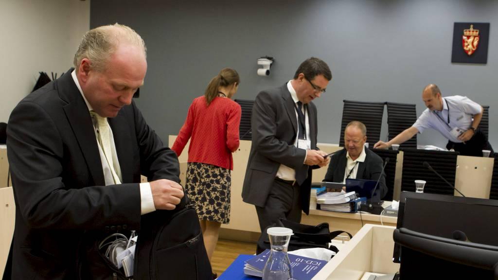 Rettspsykiaterne Terje Tørrissen og Agnar Aspaas forklarer seg i rettssal 250 mandag i tiende og dermed siste uke i rettssaken der Anders Behring Breivik står tiltalt for terrorangrepet i Oslo og på Utøya 22. juli 2011. (Foto: Junge, Heiko/NTB scanpix)