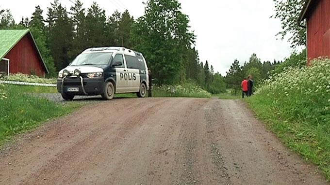 FUNNET DREPT: Mannen og barna ble funnet skutt og drept mandag kveld. (Foto: YLE)