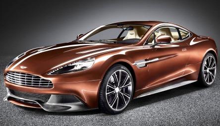 Et av verdens mest eksklusive bilmerker er til salgs - og mye tyder på at Aston Martin veldig snart har en ny eier.