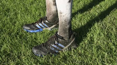 TERRENGSKOTEST: Fottøyet skal tåle en støyt når du løper i naturen. Her de nye Adidas Adizero XT. (Foto: Eivind A. Pettersen/)
