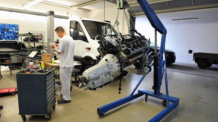 Brabus-ambulansen blir basert på Mercedes Sprinter, og får 5,5 liters twin-turbo V8 og firehjulsdrift. (Foto: Brabus)