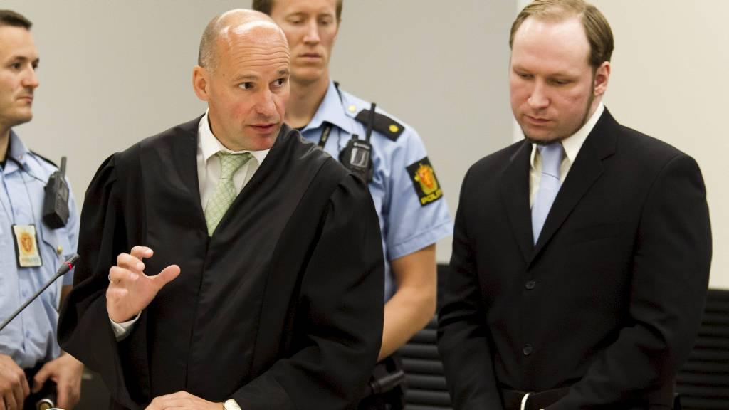 POLITISK: Forsvarer Geir Lippestad mener Breiviks handlinger må sees på som politisk motiverte og ikke som et resultat av voldsforherligelse. (Foto: Heiko Junge/NTB scanpix)