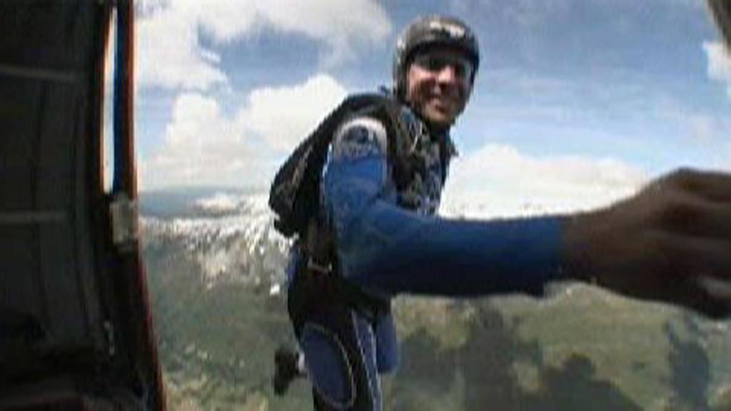 Jonathan Alexander Tagle (43) fra USA omkom etter fjellflygning i Simadalen onsdag.