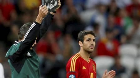 Cesc Fabregas kommer innpå for Alvaro   Negredo (Foto: Jon Super/Ap)