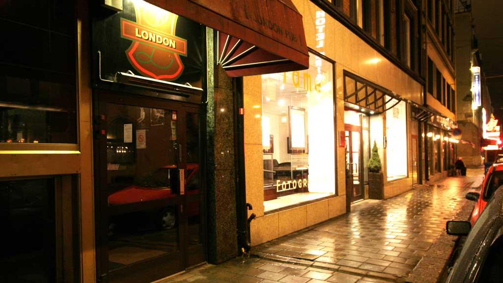 TILTALT FOR GROV VOLD: Her på London pub i Oslo skal en profilert AUF-er ha utøvd vold mot to personer, ifølge en fersk tiltale. (Foto:  Foto: Jarl Fr. Erichsen / NTB SCANPIX .)