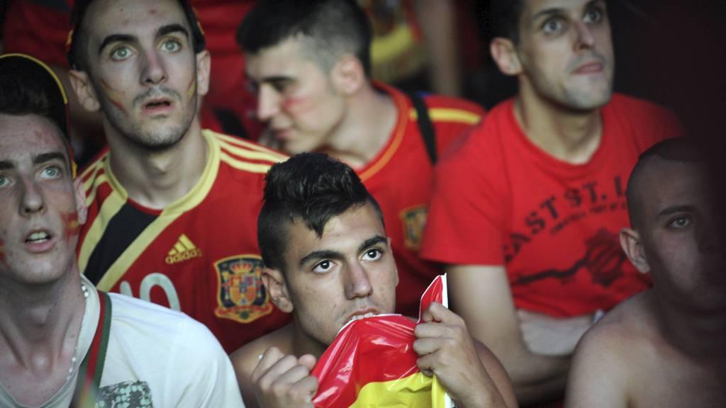 Spanske supportere (Foto: PEDRO ARMESTRE/Afp)