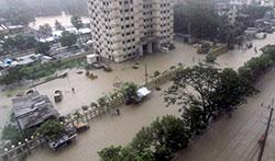 Det er store oversvømmelser i Chittagong. (Foto: REUTERS/Stringer )