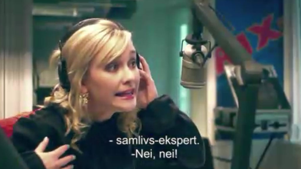 ELSAS VARLD: Elsa prøver seg som samlivsekspert på radioen i attende episode av Elsas Värld