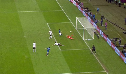 Marchisio bommer på kjempesjanse mot Tyskland.