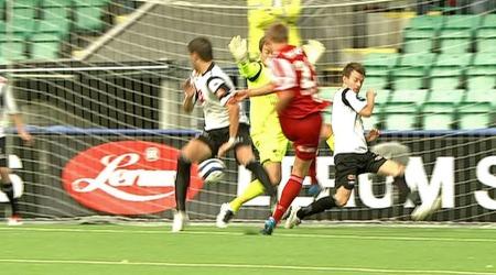 Alexander Ruud tvedter scorer mot Sogndal. (Foto: TV 2)