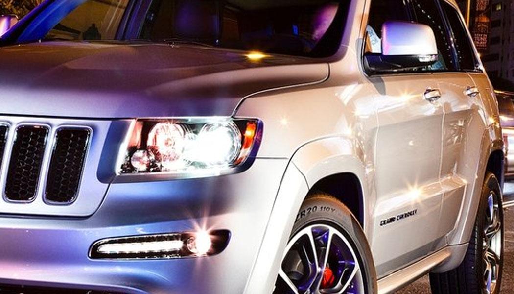 Slik ser den ut - Jeeps sterkeste og raskeste modell gjennom tidene: Grand Cherokee SRT8.