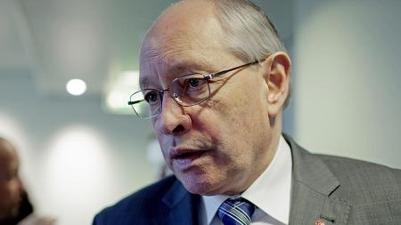 Ap-veteran Martin Kolberg nekter for at partiet   har lagt en plan B for å kunne fortsette i regjering selv om de rødgrønne   partiene ikke skulle få flertall i stortingsvalget neste høst. (Foto:   NTB scanpix)
