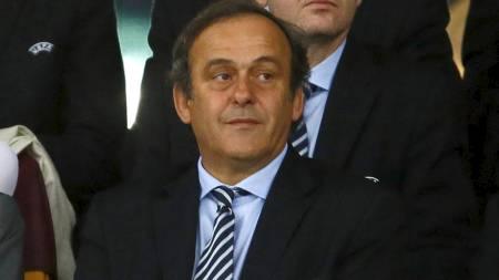 GIR POLITIKERNE SKYLDEN: Michel Platini. (Foto: KAI PFAFFENBACH/Reuters)