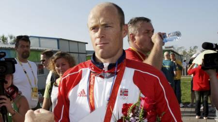 Eirik Verås Larsen etter å ha tatt OL sølv i kajakk K1 1000 m under Olympiske Leker i Beijin. (Foto: Johansen, Erik/NTB scanpix)