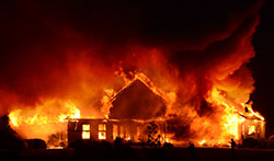 Skogbrannen har nådd et hus i Frederick, Maryland. (Foto: Ap)
