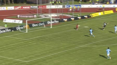 Håvard Nielsen setter inn 1-0 for Vålerenga (Foto: TV 2/)