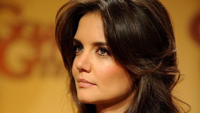 SPARKET: Katie Holmes skal ha gitt datteren til Tom Cruise fyken to måneder før hun søkte om skilsmisse.