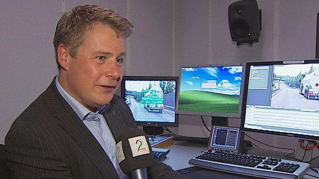 Stortingsrepresentant Per Willy Amundsen (Frp) ber muslimer i norske fengsler om å slutte å klage. (Foto: TV 2)