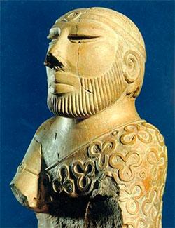 Denne lille figuren ble skåret ut i stein for mer enn 3000 år   siden. (Foto: Wikimedia Commons)
