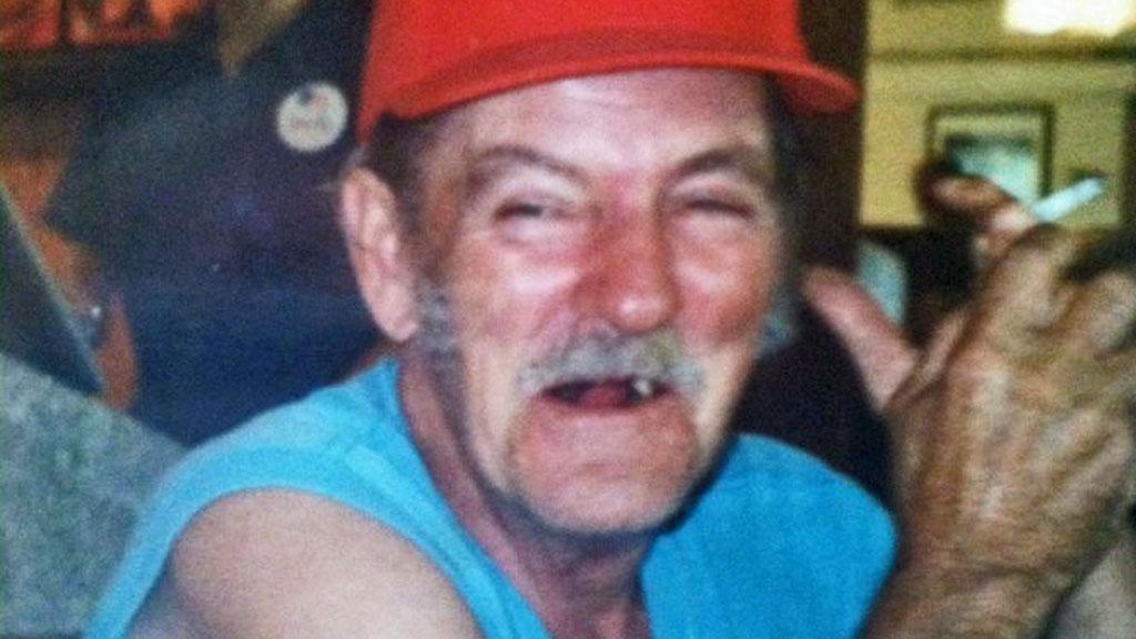DØD I STOLEN I 1,5 ÅR: Charles Zigler er omsider stedt til hvile etter å ha vært avdød sjelesørger for sin 72 år gamle kjæreste siden desember 2010. (Foto: HANDOUT)