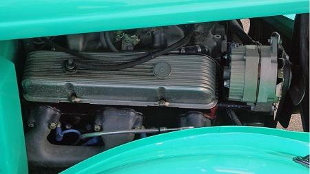 Stor tilgang, enormt tilbud av trimmingsdeler og lav pris har alltid gjort Chevrolets smallblock-V8 til et førstevalg for de som har bygget rods. Selv om merketro Ford-entusiaster benevner dem som