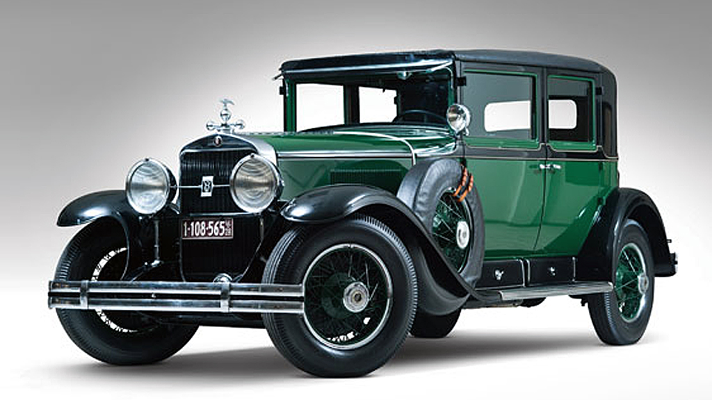 En gang en fryktet bil i Chicagos forbryterverden, en av verdens tidligste pansrede biler og restaurert allerede for over 50 år siden - det er en spesiell Cadillac som skal auksjoneres bort i USA den 28. juli. (Foto: Theo Civitello/RM Auctions)