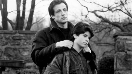 FUNNET DØD: Skuespilleren Sylvester Stallones sønn Sage ble funnet død i sitt hjem i Hollywood fredag. Her er de to sammen på et bilde fra filmen «Rocky V» i 1990 hvor de to spiller far og sønn. (Foto: HANDOUT/Reuters)