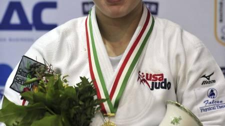 GULL: Kayla Harrison vant finalen i en verdenscupturnering i   Budapest i februar. (Foto: ATTILA KISBENEDEK/Afp)